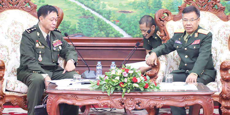 Deputy Minister of Defence receives Cambodian Defence Attaché to say farewell